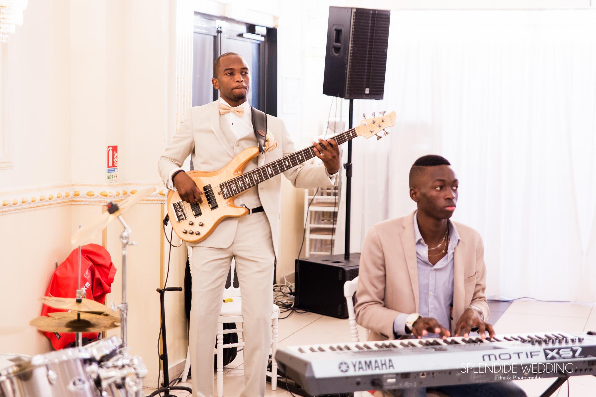 Photographe mariage Paris 19ème Chantal & Darius orchestre musicale