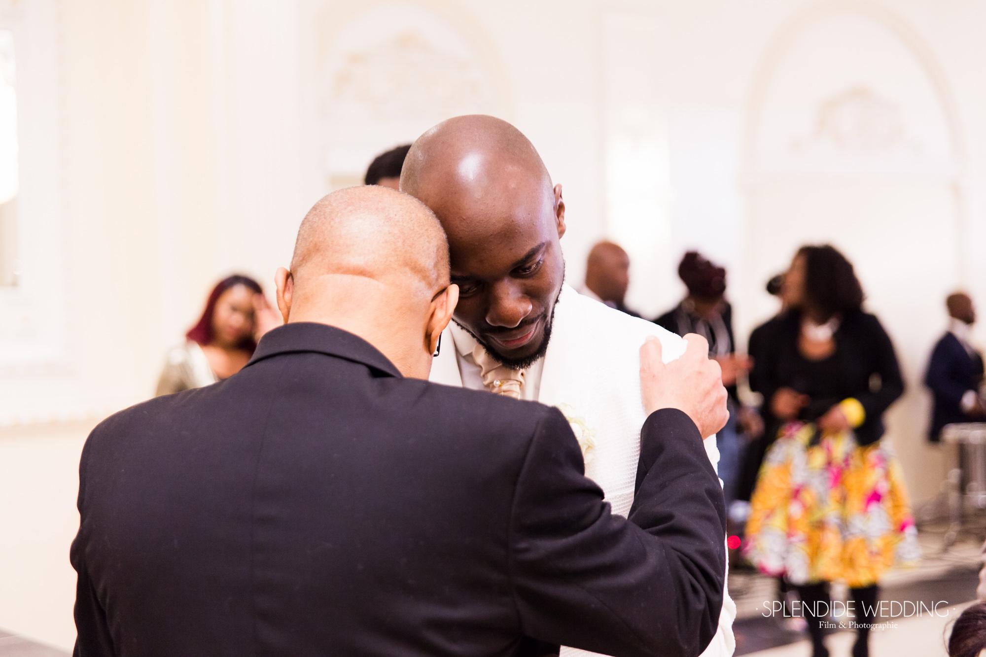 Photographe mariage Paris 19ème Chantal & Darius accolade de famille