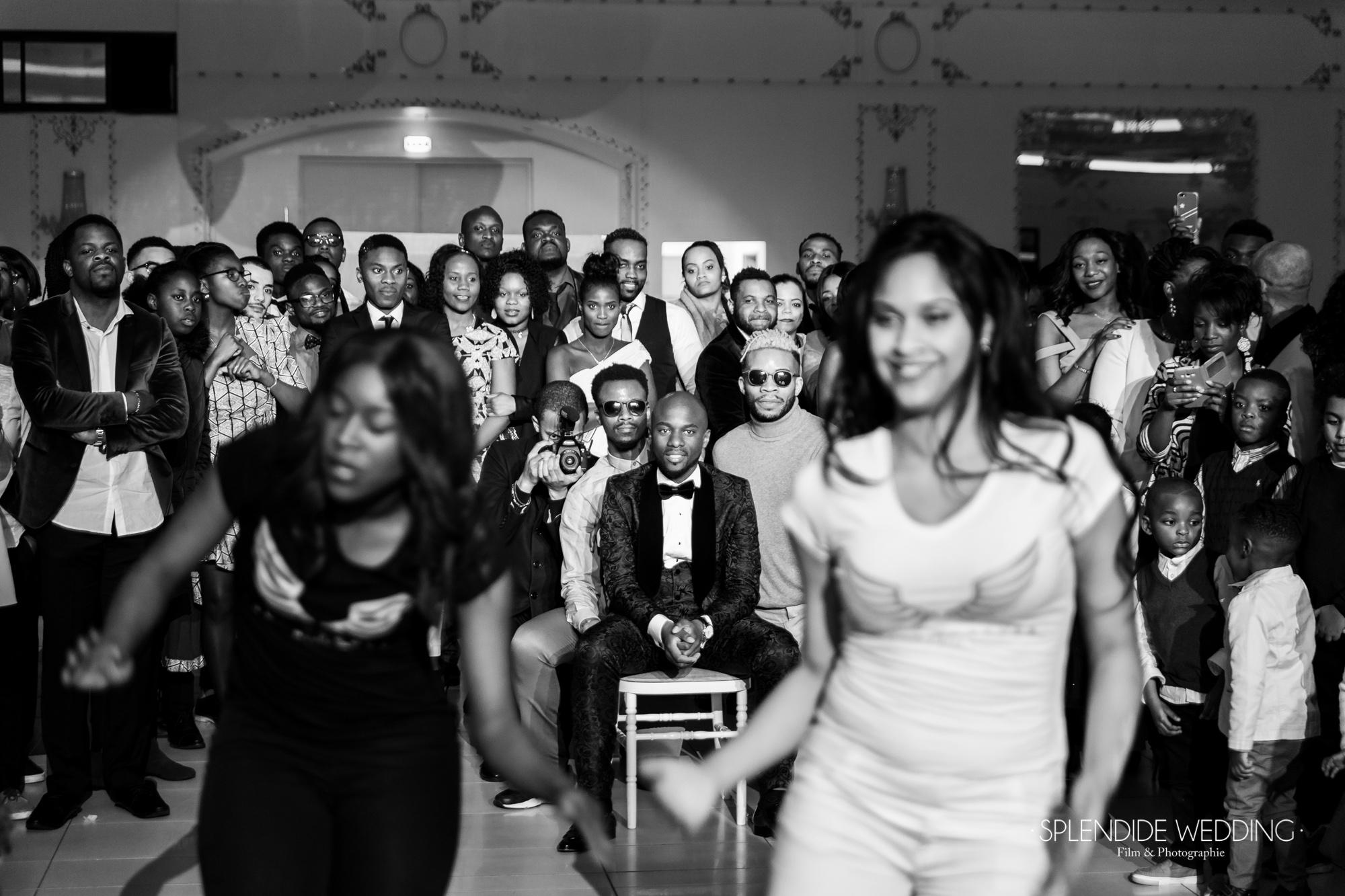 Photographe mariage Paris 19ème piste de danse