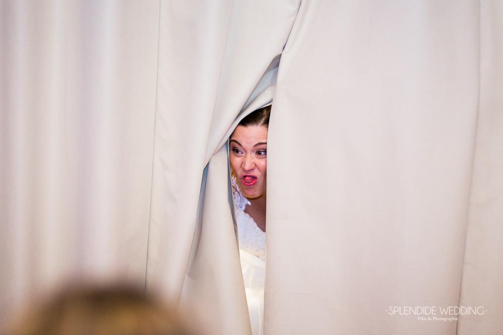 Photographe mariage seine et marne une grimace de la mariée