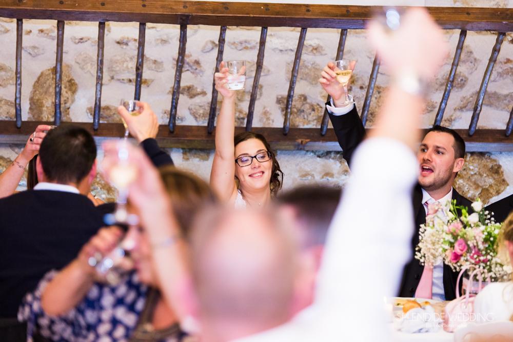 Photographe mariage seine et marne Que tout le monde lève son verre