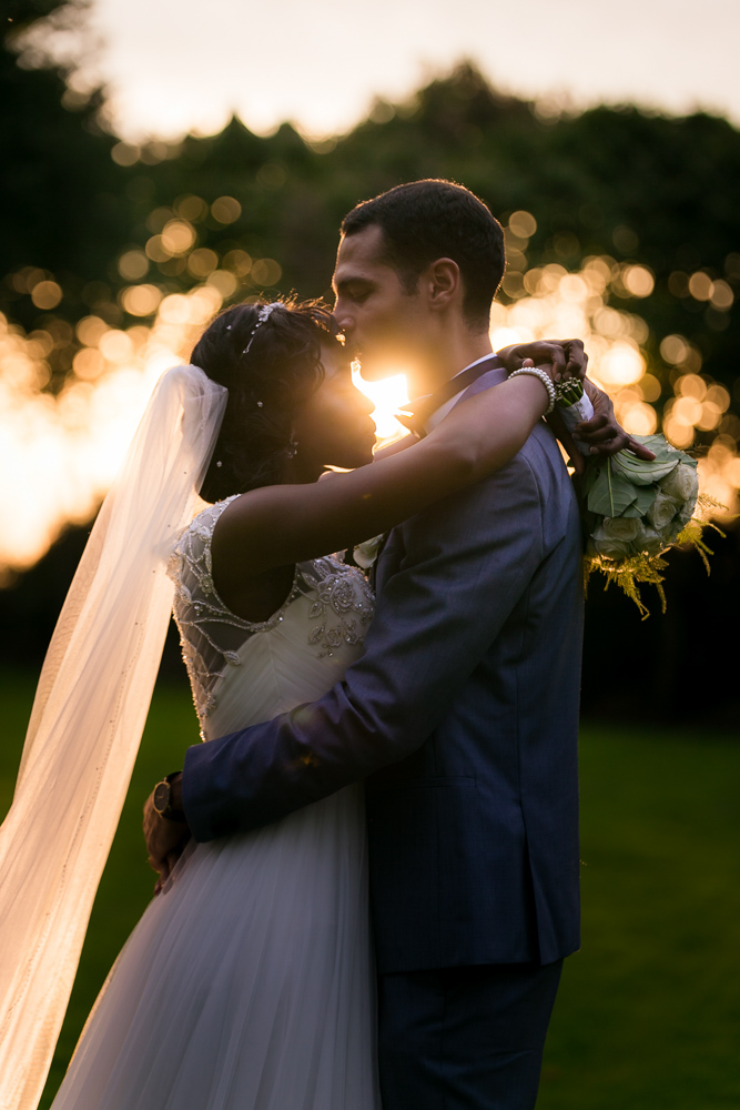 couché de soleil avec les mariés