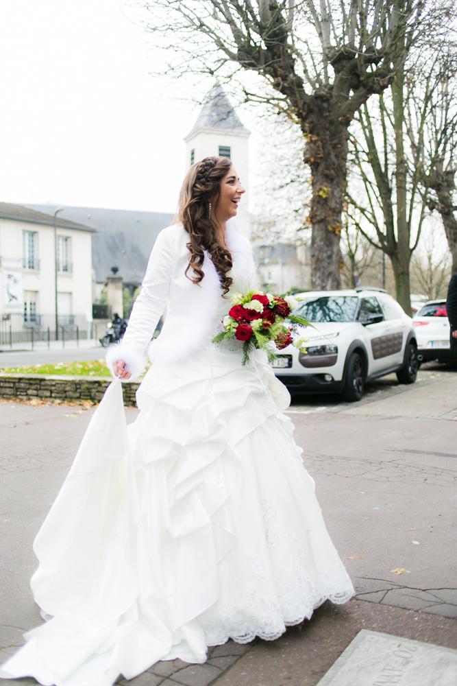 Photographe Mariage Bry sur Marne, Nathalie arrive à la marie de Bry-sur marne