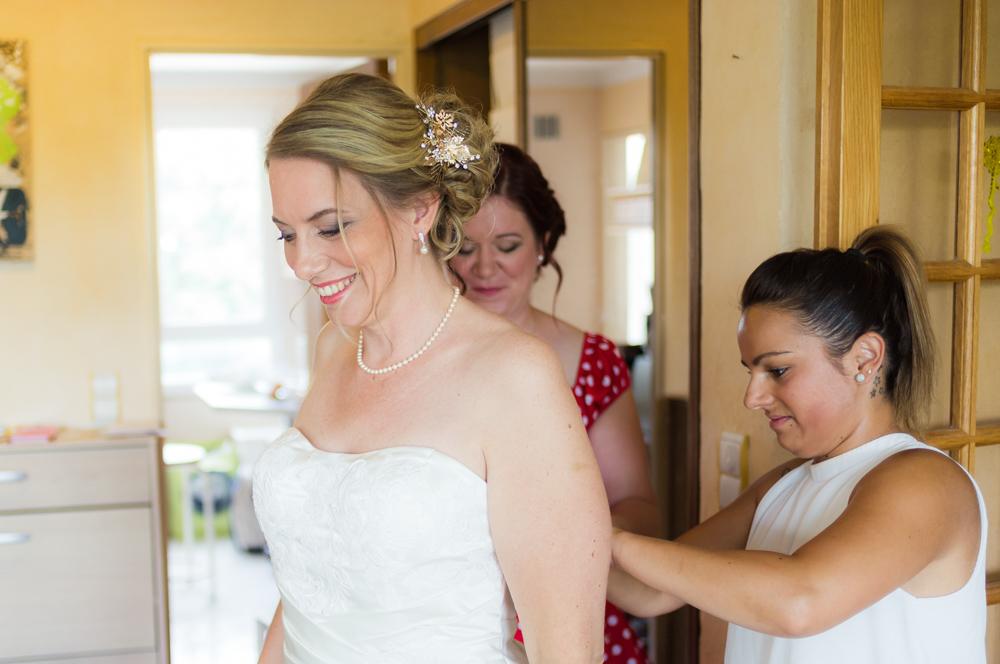Photographe Mariage Saint-Maur-des Fossées, attache moi ma robe de mariage !