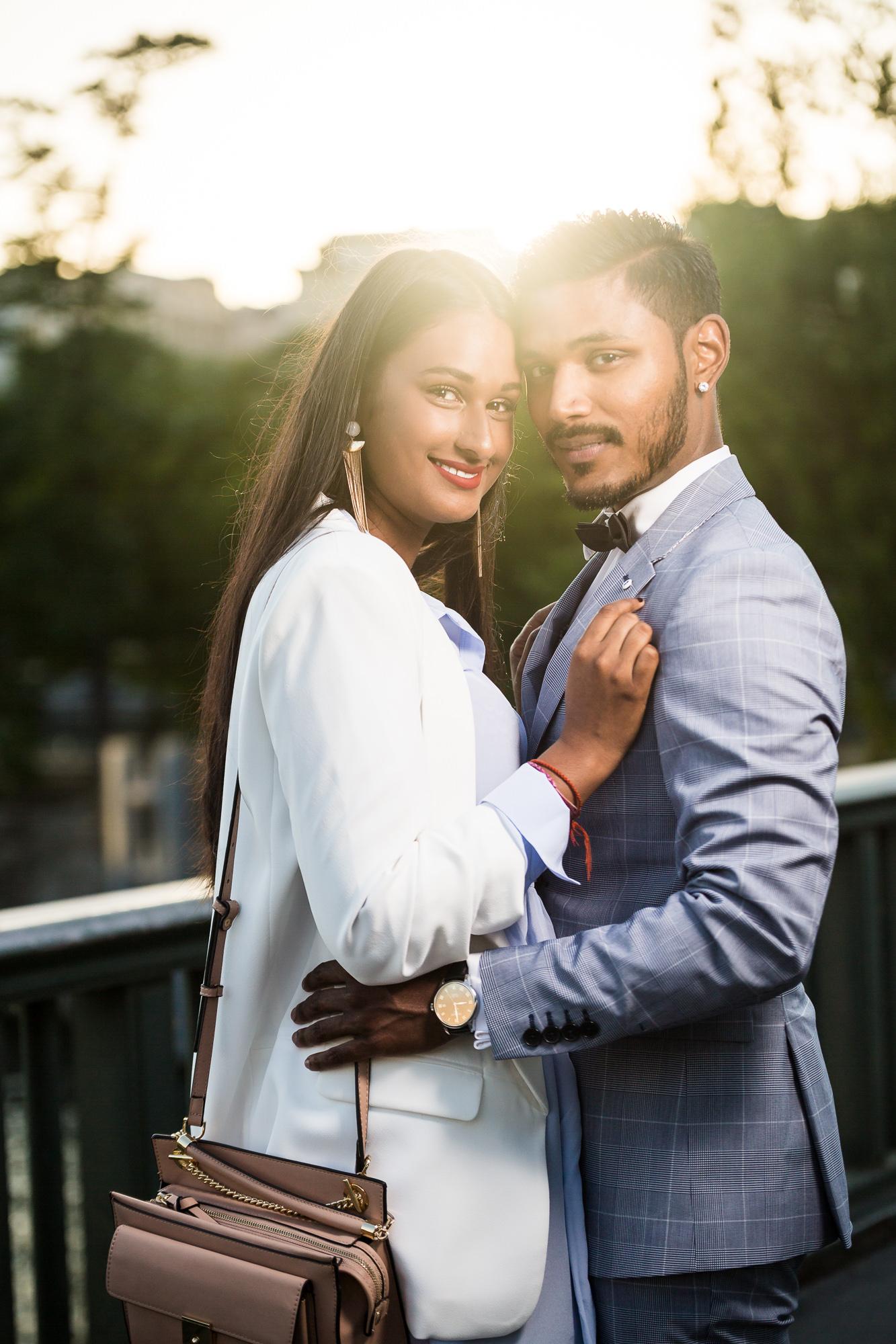 Séance engagement PARIS Mindula et Dhan couché du soleil