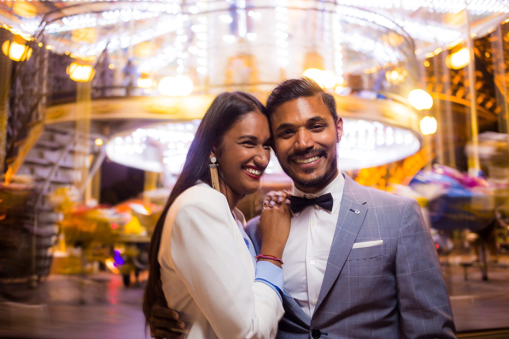 Séance engagement PARIS Couple asiatique Carousel tour eiffel