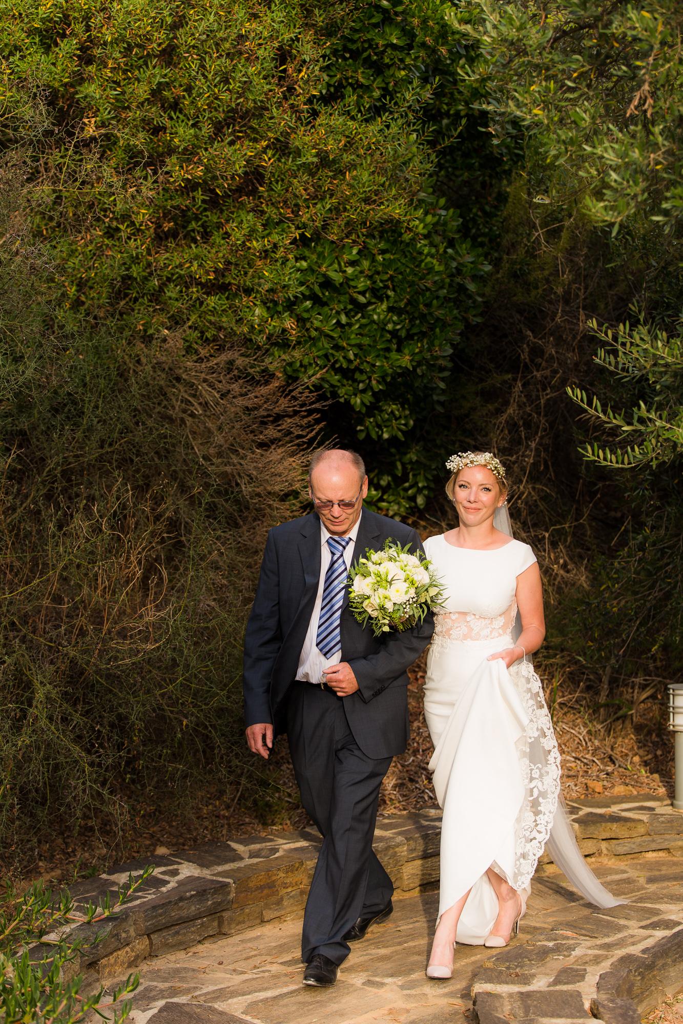 Mariage Bormes-les-Mimosas | arrivé de la marié à la cérémonie laïque
