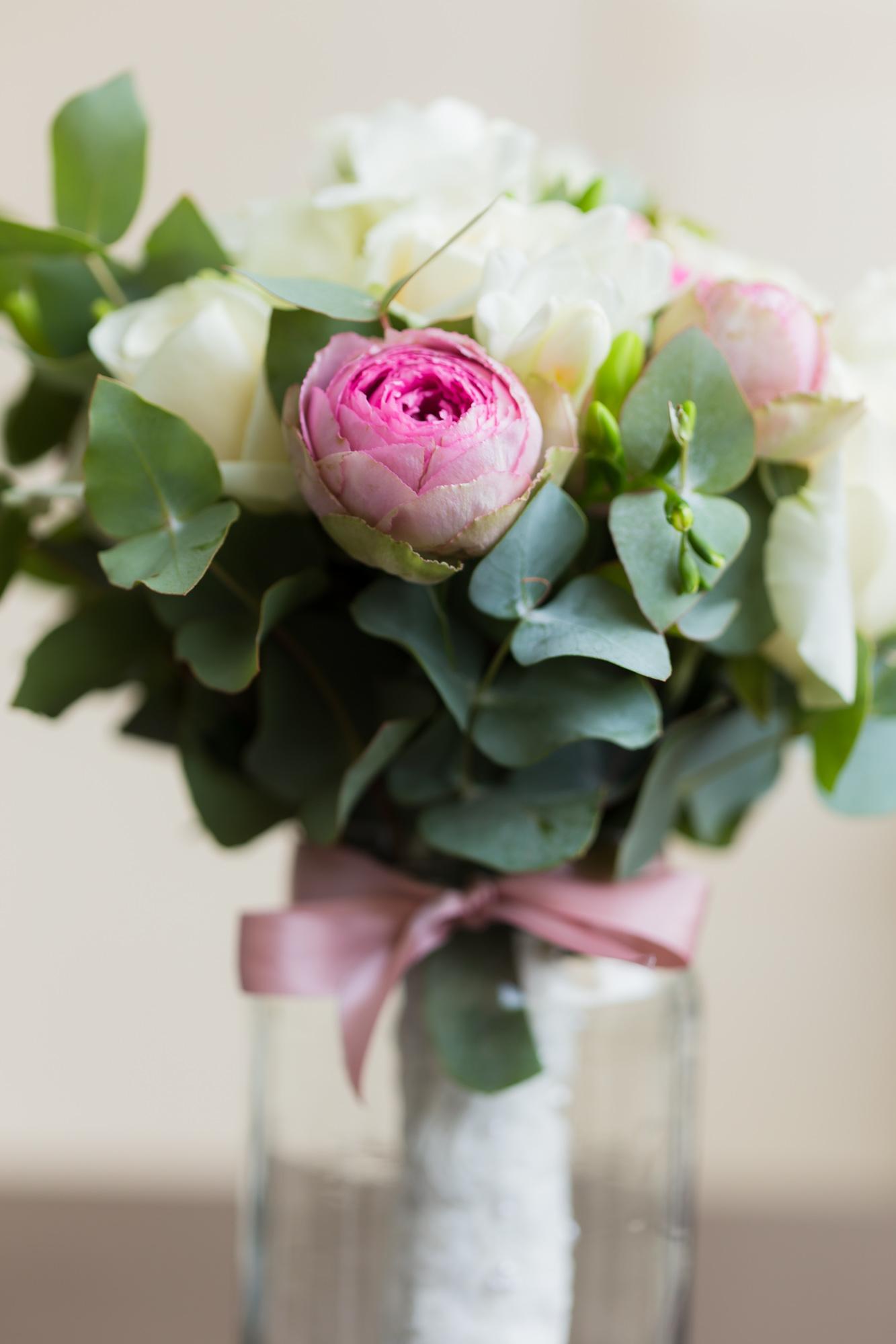 Mariage au Chalet de la Porte Jaune Bouquer de fleur en jarre